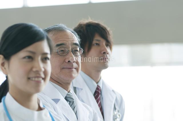 看護師と医者の写真素材 [FYI04545842]