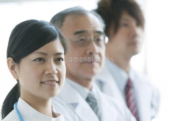 看護師と医者の写真素材 [FYI04545844]
