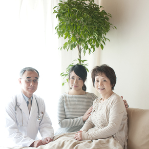 訪問医療の写真素材 [FYI04547615]