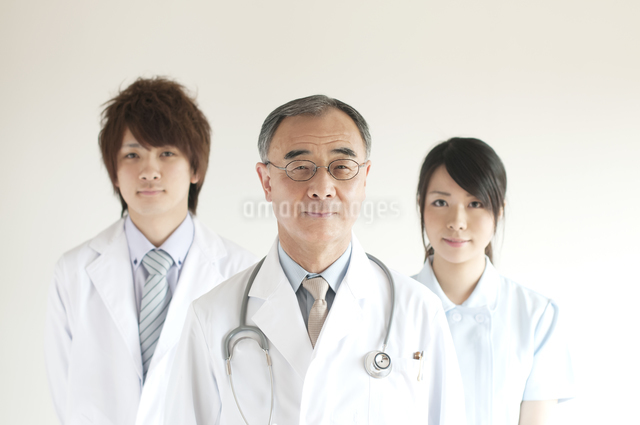 医者と看護師の写真素材 [FYI04547650]