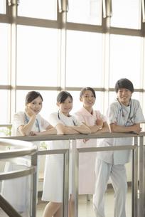 微笑む看護師の写真素材 [FYI04548128]