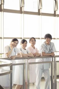 微笑む看護師の写真素材 [FYI04548130]