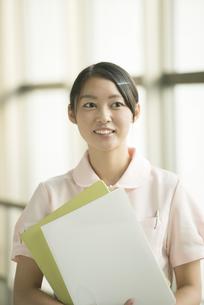 微笑む看護師の写真素材 [FYI04548148]