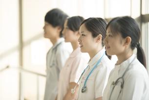 微笑む看護師の写真素材 [FYI04548202]