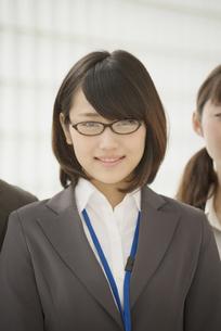 微笑むビジネスウーマンの写真素材 [FYI04550828]