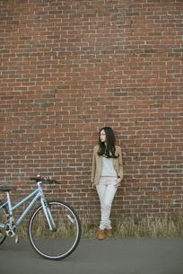 若い女性のポートレートの写真素材 [FYI04556065]