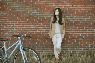 若い女性のポートレートの写真素材 [FYI04556067]