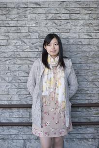 若い女性のポートレートの写真素材 [FYI04556166]