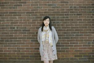 若い女性のポートレートの写真素材 [FYI04556220]