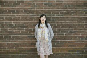 若い女性のポートレートの写真素材 [FYI04556221]