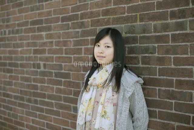 若い女性のポートレートの写真素材 [FYI04556225]