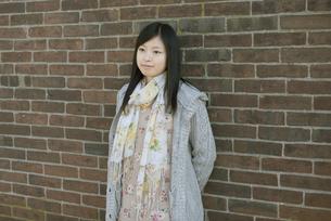 若い女性のポートレートの写真素材 [FYI04556229]