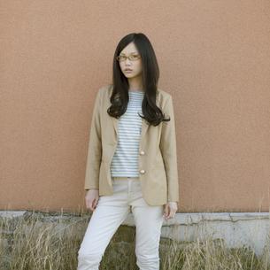 若い女性のポートレートの写真素材 [FYI04556238]