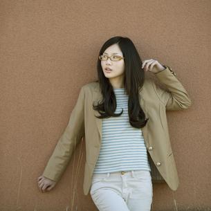 若い女性のポートレートの写真素材 [FYI04556241]