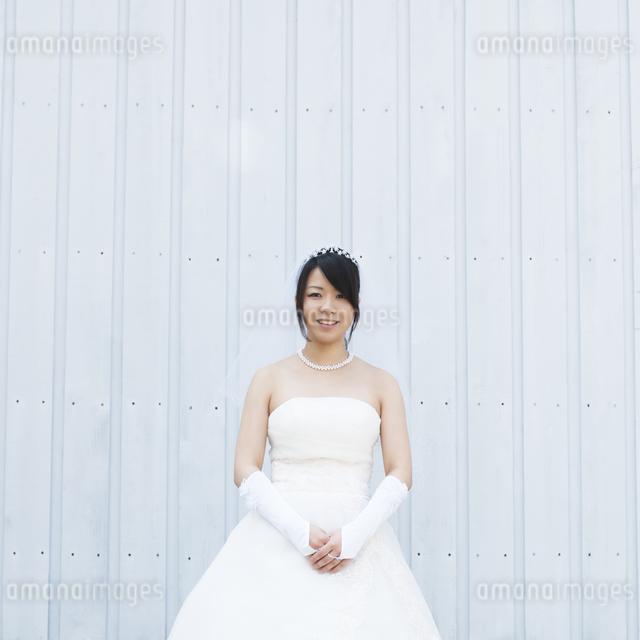 微笑む花嫁の写真素材 [FYI04556782]