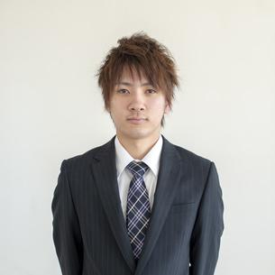 若いビジネスマンの写真素材 [FYI04558647]