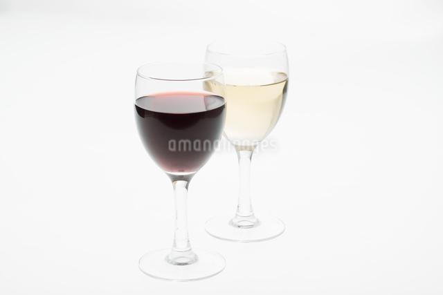 赤ワインと白ワインの写真素材 [FYI04560013]