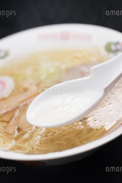塩ラーメンの写真素材 [FYI04560061]