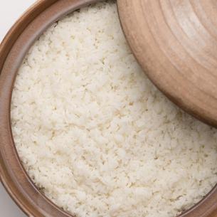 土鍋で炊いたご飯の写真素材 [FYI04560166]
