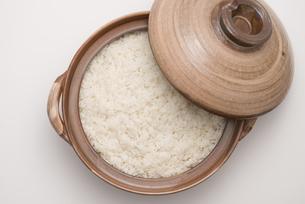 土鍋で炊いたご飯の写真素材 [FYI04560167]