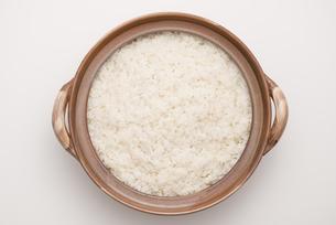 土鍋で炊いたご飯の写真素材 [FYI04560168]