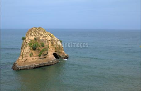 磯原海岸 二ツ島の写真素材 [FYI04560632]
