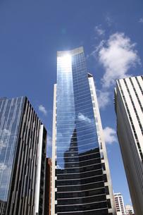 サンパウロのガラス張りのオフィスビルの写真素材 [FYI04561305]