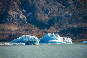 パタゴニアのビエドマ氷河:氷山の写真素材 [FYI04561424]