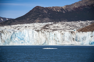 パタゴニアのビエドマ氷河の氷壁の写真素材 [FYI04561448]