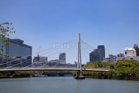 大阪天満川崎橋の写真素材 [FYI04561746]