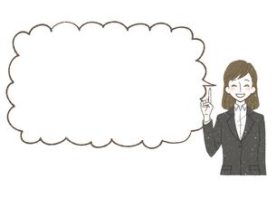 スーツ-女性-吹き出し-笑顔のイラスト素材 [FYI04563013]