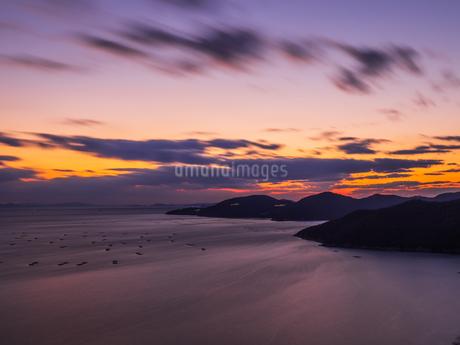 万葉の夕日の写真素材 [FYI04563343]