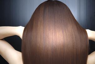 女性の髪の写真素材 [FYI04565566]