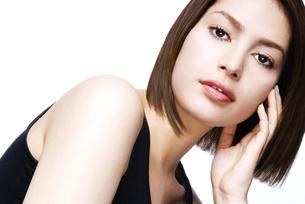 20代女性のビューティーイメージの写真素材 [FYI04565577]