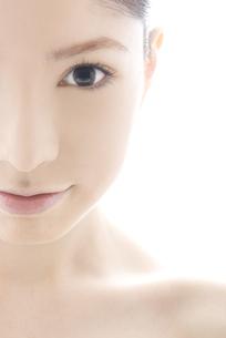 10代日本人女性のビューティーイメージの写真素材 [FYI04565659]