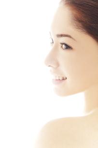 20代日本人女性のビューティーイメージの写真素材 [FYI04565712]