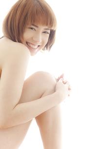 20代日本人女性のビューティーヌードの写真素材 [FYI04565726]