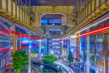 千葉市都市夜景(モノレール)の写真素材 [FYI04565790]