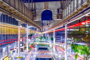 千葉市都市夜景(モノレール)の写真素材 [FYI04565791]
