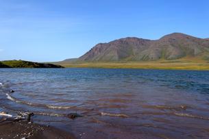 アラスカ州、夏の湖水地帯の写真素材 [FYI04566172]