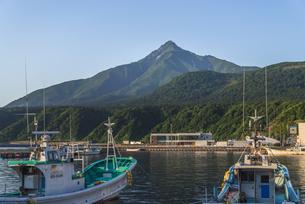 夏の利尻富士の写真素材 [FYI04567011]