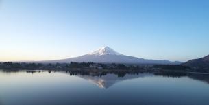 逆さ富士の写真素材 [FYI04567292]