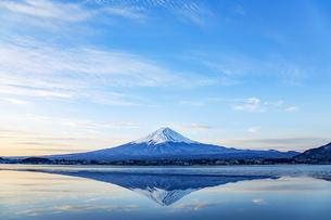 逆さ富士の写真素材 [FYI04567346]