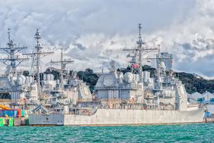 アメリカ海軍軍艦(横須賀港)US NAVY Ship at Yokosuka Japanの写真素材 [FYI04568638]
