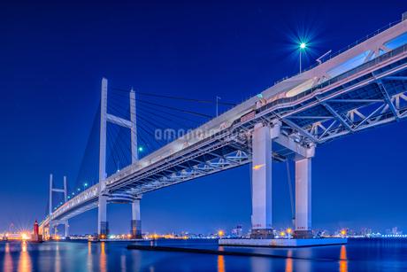 吊り橋夜景 Suspension bridge night viewの写真素材 [FYI04568640]
