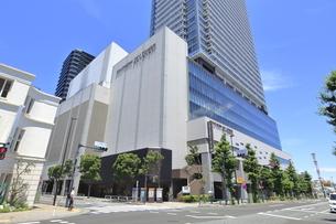 八王子駅南口西交差点の写真素材 [FYI04568946]