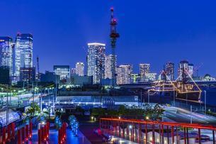 東京都市夜景 晴海埠頭の写真素材 [FYI04569161]