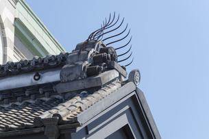 鬼瓦 小江戸川越蔵の街の写真素材 [FYI04569551]