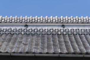 川越蔵の街の瓦屋根の写真素材 [FYI04569553]