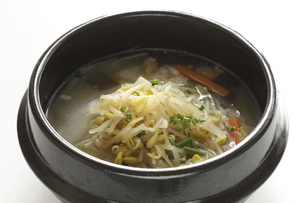 韓国のもやしスープとご飯の写真素材 [FYI04569969]